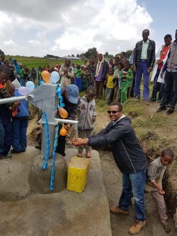 Nieuwe waterput in Kobastil