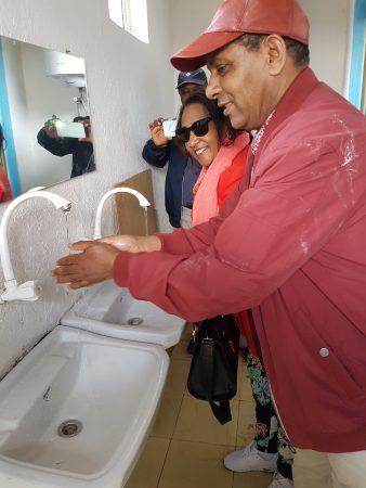 Openbare toiletten met douchekamers